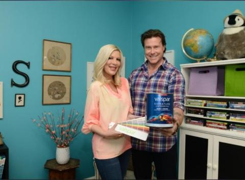 News video: Tori Spelling Removes Dean McDermott's Name From Her Twitter And Instagram Handles